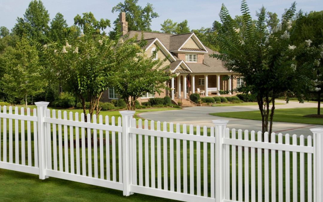 vinyl fencing. Brilliant Fencing 10 Facts You Need To Know About Vinyl Fences For Fencing