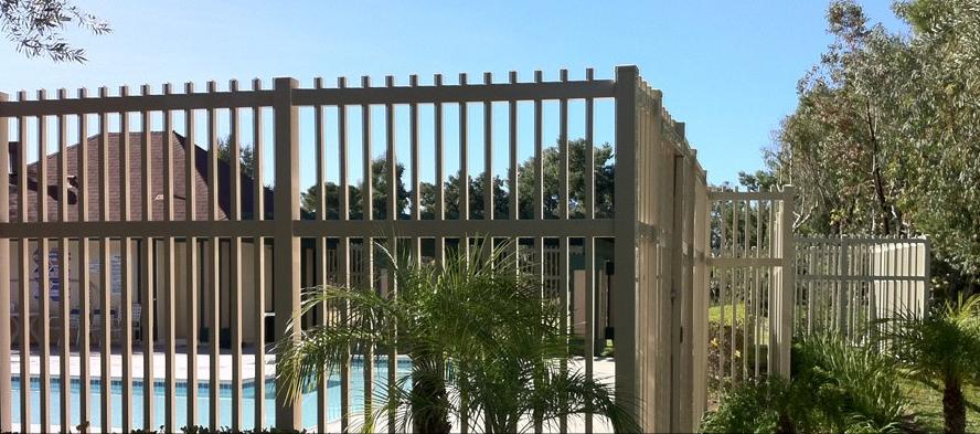 vinyl semi private fence